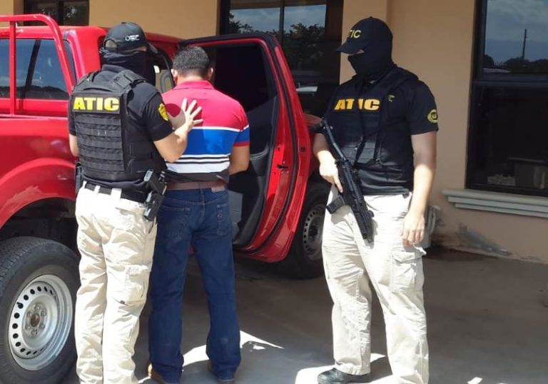 POLICÍA MARLON ELENO OPE KUXTAL