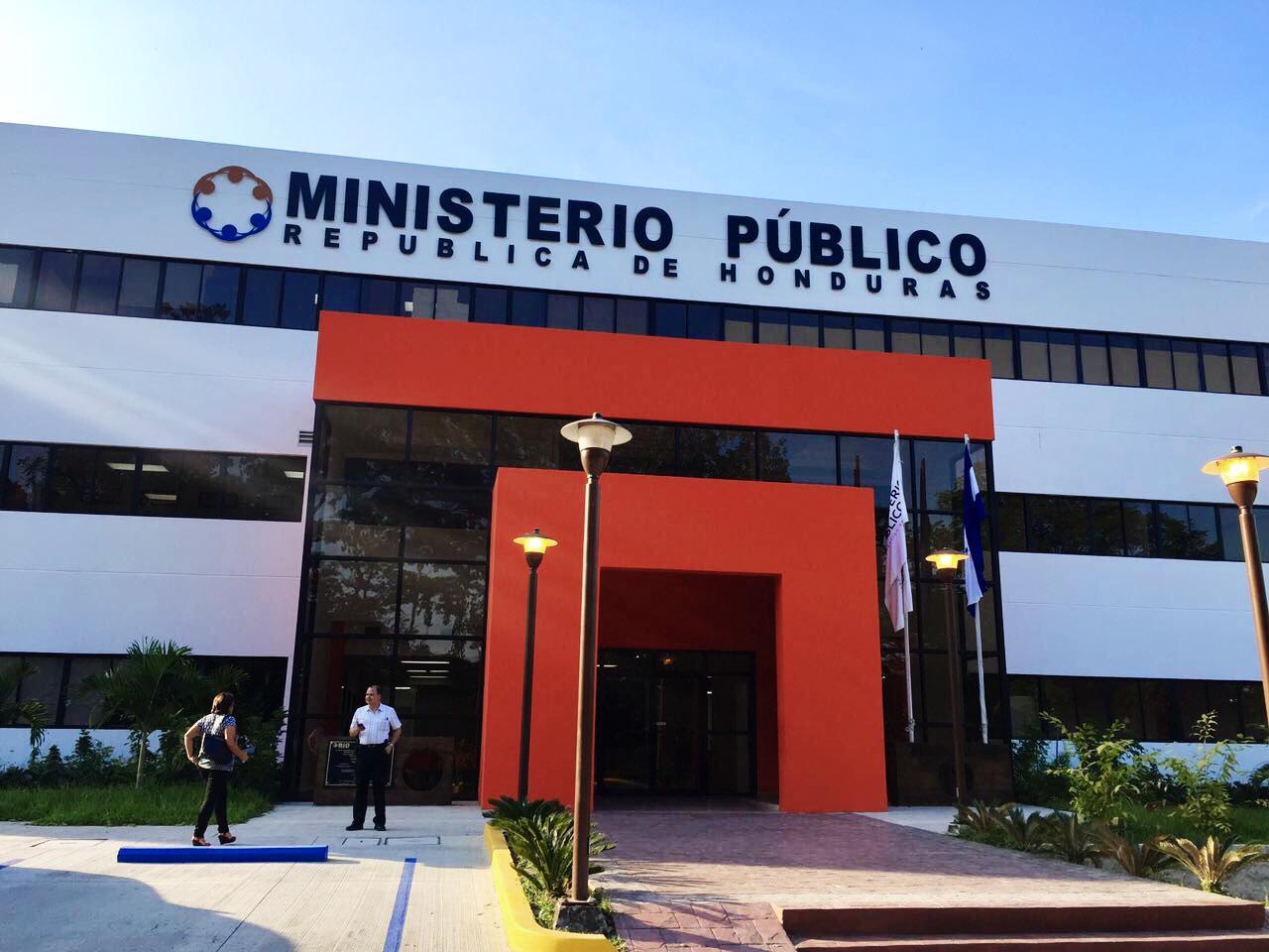 Fachada La Puerta SPS