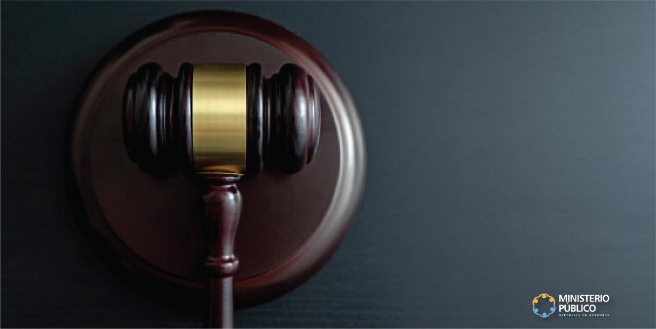 Condena a tres contrabandistas