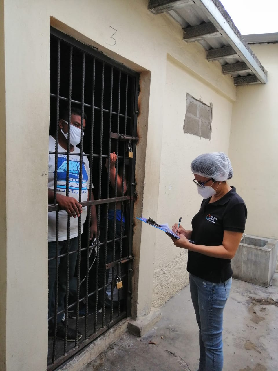 CASO GOLPIZA DE POLICIA A TRANSPORTITAS SPS 2