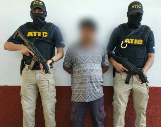 ATIC captura a expolicía acusado de tres delitos