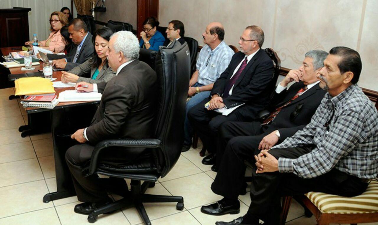 El próximo 24 de noviembre inicia juicio contra exdirectivos del IHSS por millonarias trasferencias irregulares