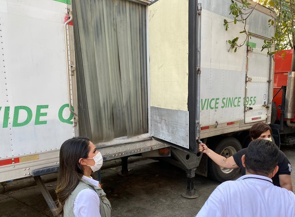 Embajada de EEUU realiza donativo de cuarto frío para labores forenses en SPS tras el paso de tormenta tropical ETA