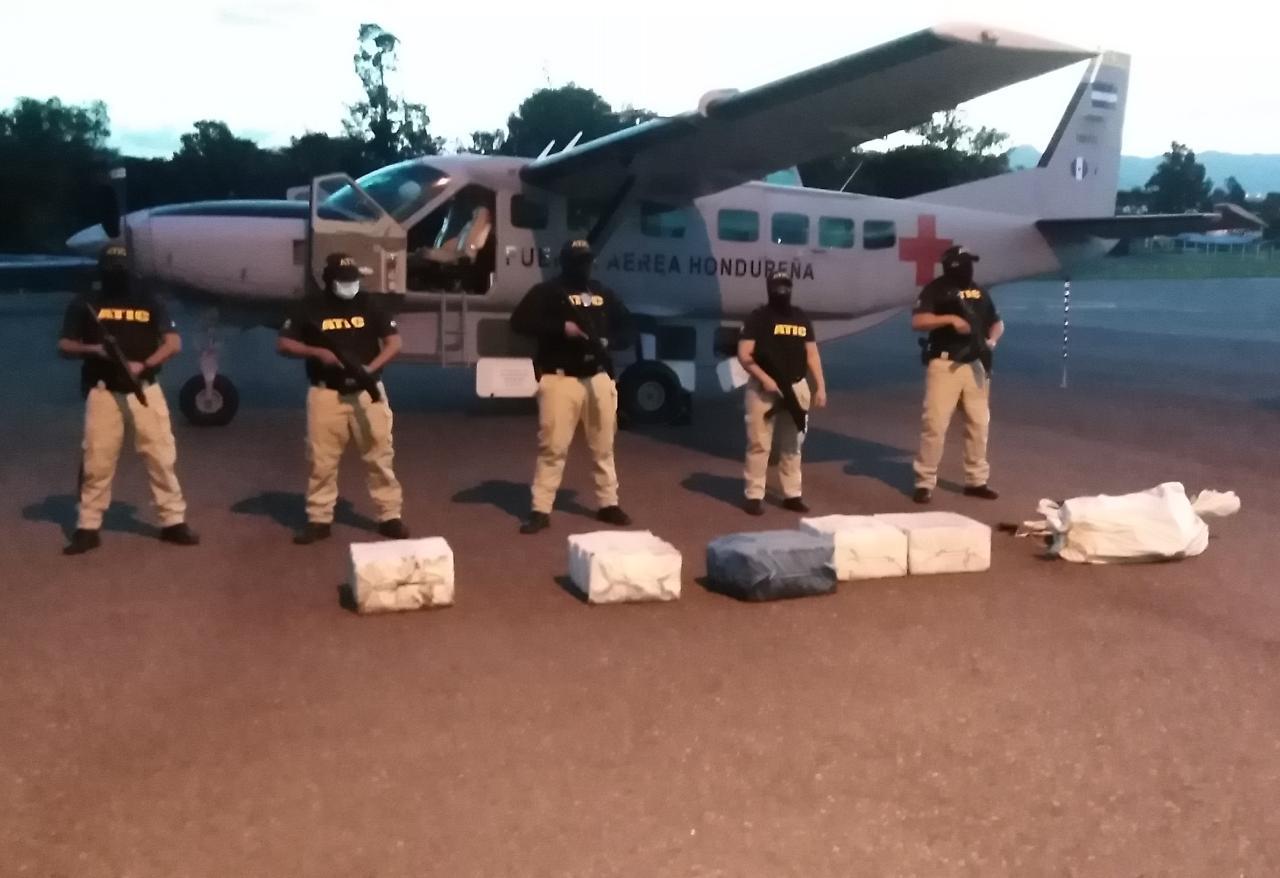 Nueva incautación de 190 paquetes de cocaína en La Mosquitia coordina Fiscales Contra el Crimen Organizado y ATIC