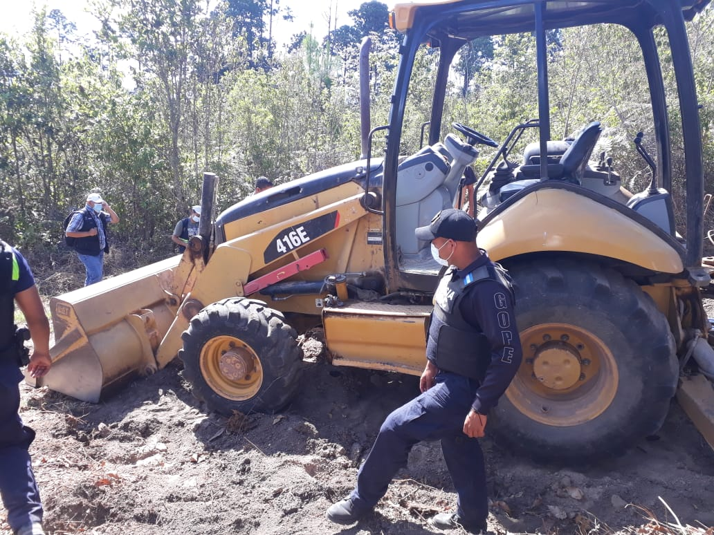 Fiscalícalía Especial de Medio Ambiente obtiene Auto de Formal Procesamiento contra personas que utilizaban una retroexcavadora en La Tigra