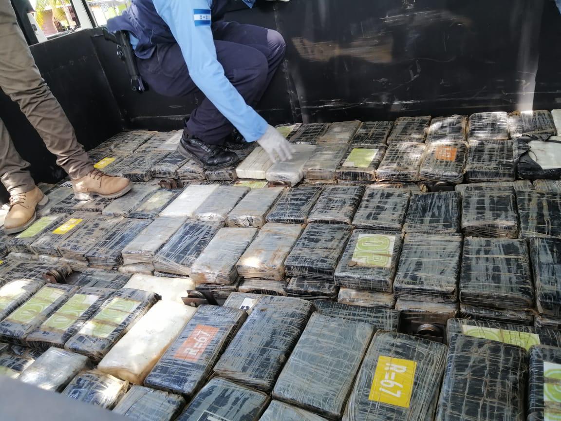 Decomisan cargamento de supuesta cocaína en Colón