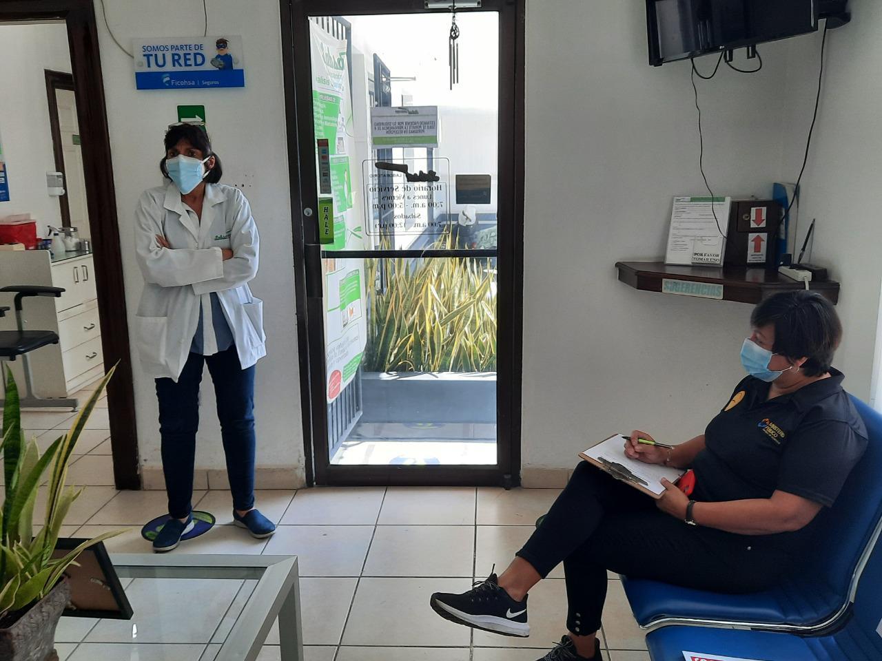 Fiscales del consumidor inspeccionan laboratorios clínicos