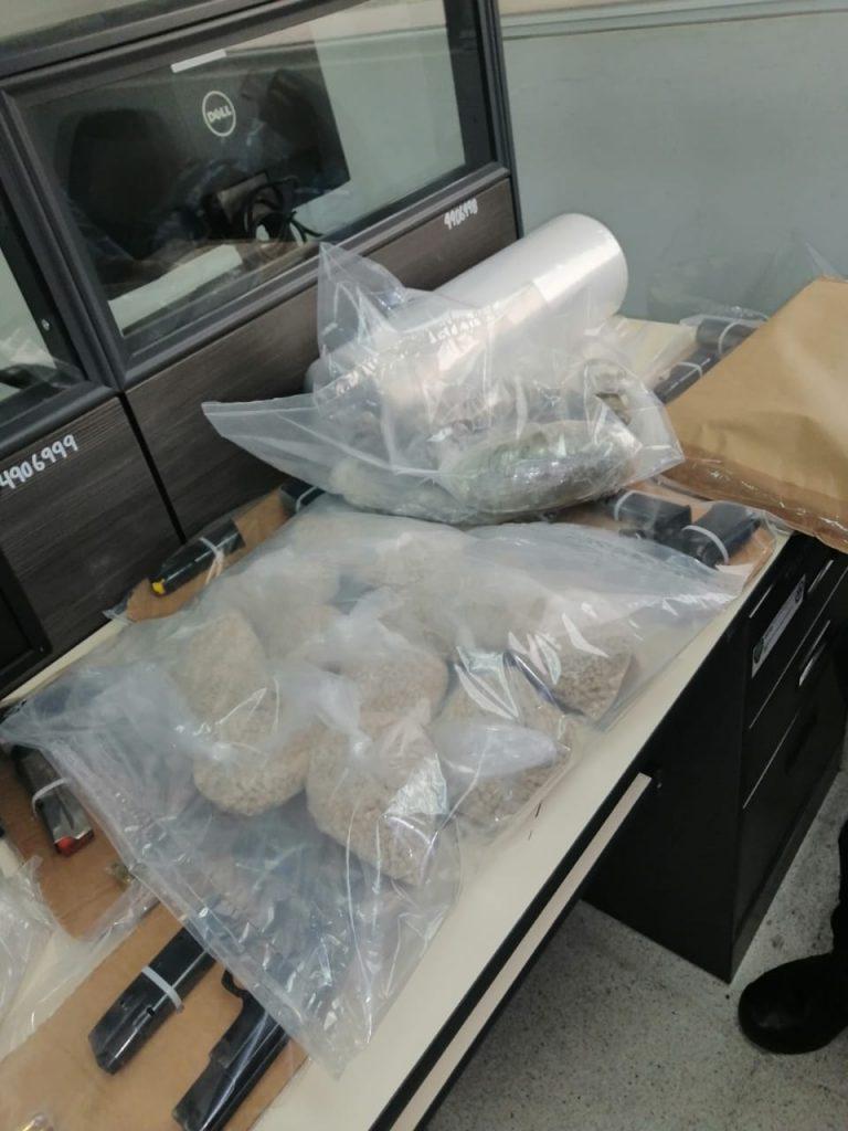 Unidad de Microtráfico y Policía desmantelan supuesto narco laboratorio
